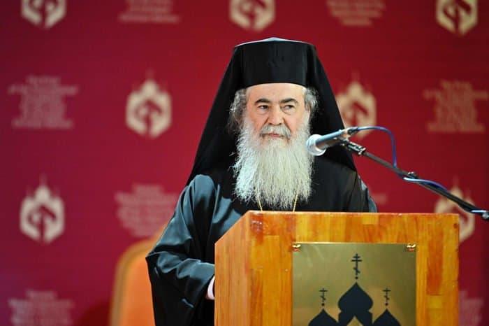 Патриарх Кирилл наградил Патриарха Иерусалимского Феофила III премией за укрепление православного единства