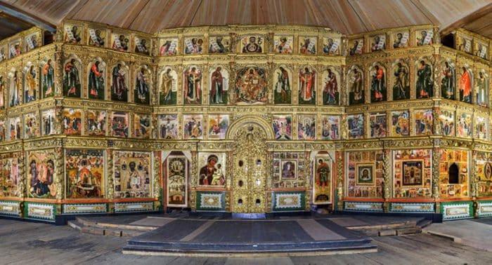 Спустя 40 лет в Преображенскую церковь Кижей вернулся уникальный 24-метровый иконостас