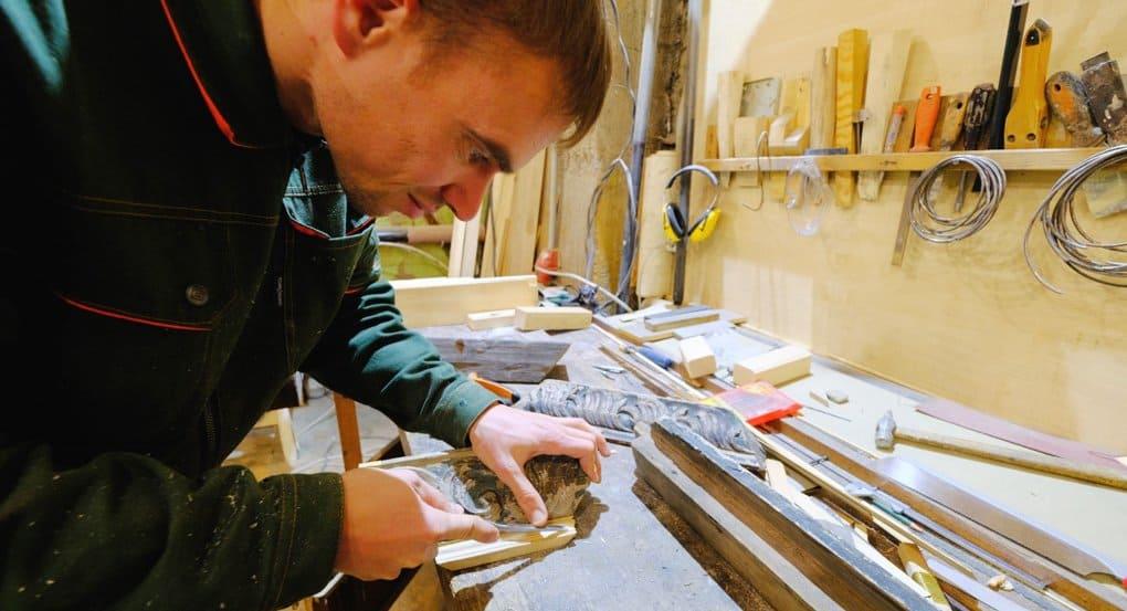 Уникальные деревянные иконостасы из собора Кеми восстанавливают в Петербурге