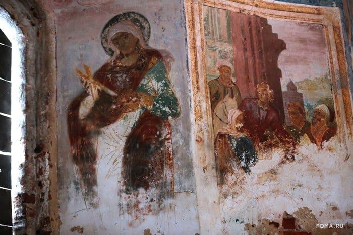 В старинном храме Курбы помолились перед началом его консервации