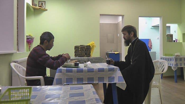 Церковь помогла открыть в Иркутске бесплатный медпункт для бездомных
