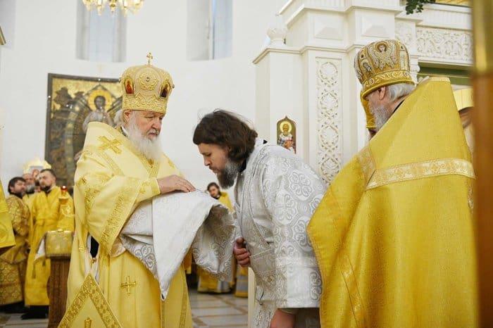 Патриарх Кирилл освятил храм, ставший первым в столичных Текстильщиках