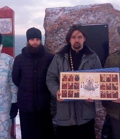 Пограничникам в самой восточной точке России привезли копию чудотворной иконы из Пскова