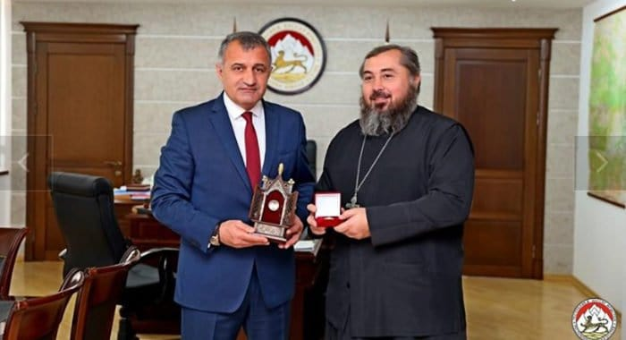 Глава Южной Осетии передал Русской Церкви частицы мощей святого Иоанна Воина и Креста Господня