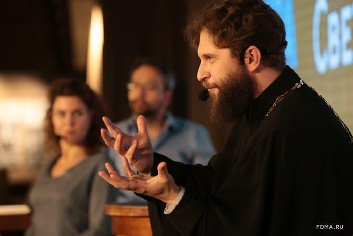 Найти и сохранить любовь: священник Андрей Рахновский ответил на вопросы гостей «Светлого вечера оффлайн» - фото 1