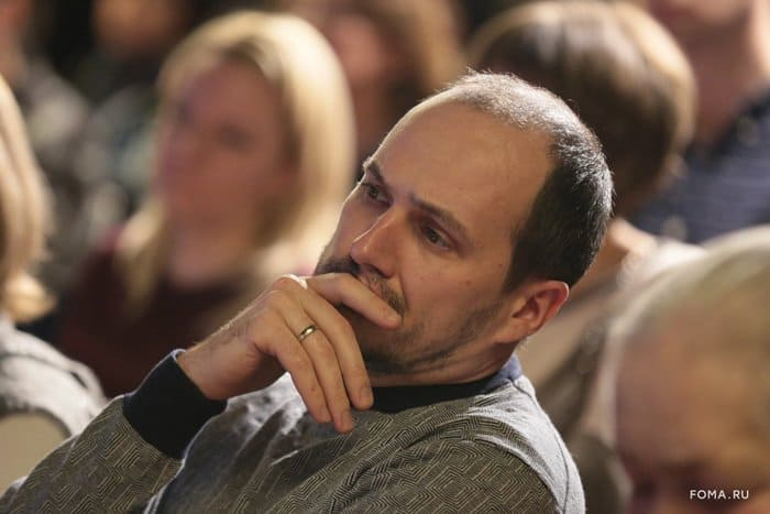 Найти и сохранить любовь: священник Андрей Рахновский ответил на вопросы гостей «Светлого вечера оффлайн» - фото 6