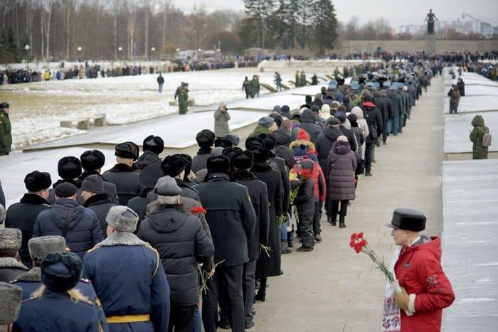 Духовенство Петербурга почтило память жертв блокады Ленинграда
