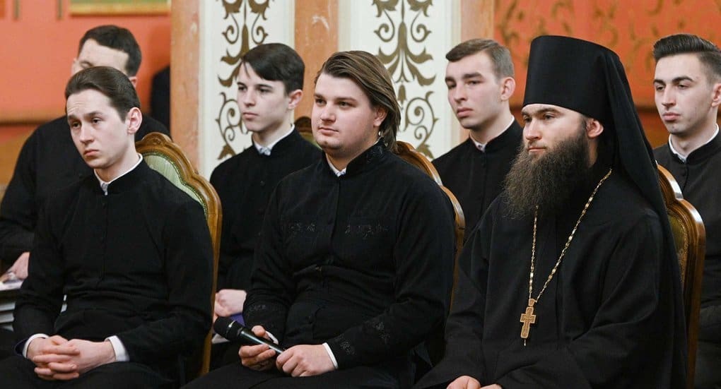 Патриарх Кирилл ответил киевскому семинаристу, как правильно выбрать жизненный путь