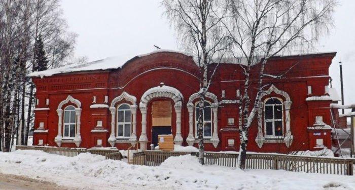 Храму начала ХХ века в Кировской области нужна помощь в уплате долгов за восстановление!