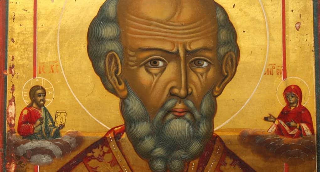 Можно ли молиться у древней семейной иконы?