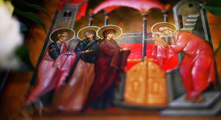 Православные празднуют Сретение Господне
