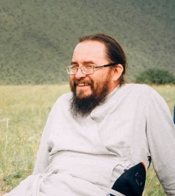 священник Павел Тайченачев