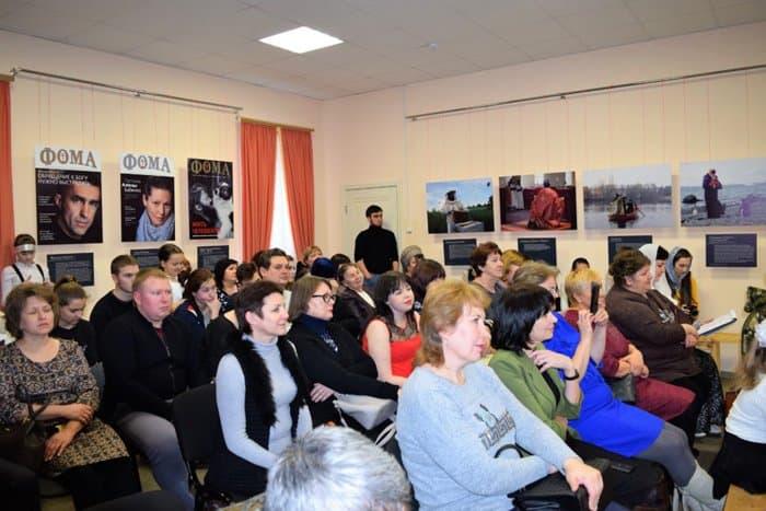 Фотовыставка журнала «Фома» «Верующие» открылась… в селе Кошки!