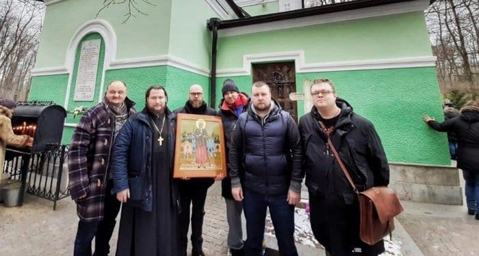 Сербскому монастырю подарили икону блаженной Ксении Петербургской с частицей ее гробницы