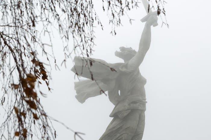 К 75-летию Победы в Волгограде раньше графика завершают реконструкцию монумента «Родина-мать зовет!»