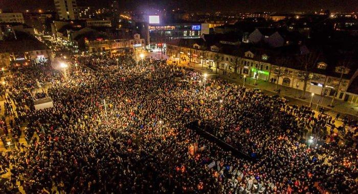 В Черногории прошел самый массовый молебен в защиту Сербской Православной Церкви