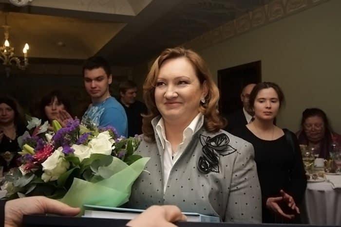 Поздравляем с юбилеем председателя Наблюдательного Совета Елисаветинско-Сергиевского просветительского общества Анну Громову!