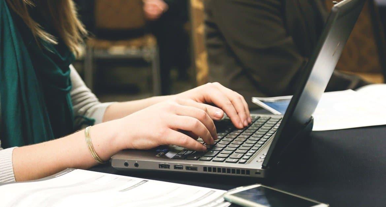 Церковь не может существовать только в цифровом пространстве, – митрополит Иларион