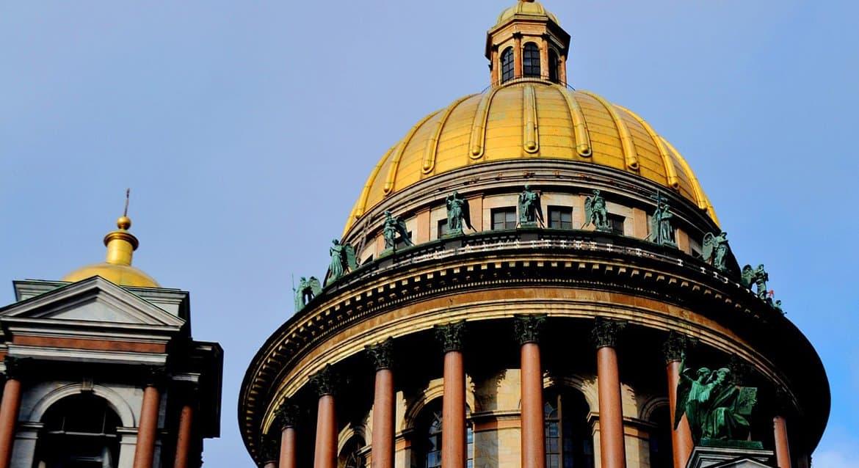 В Церкви указали на то, что запрет властей Петербурга на посещение храмов противоречит закону