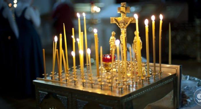 Православные отмечают третью великопостную Родительскую субботу 2021