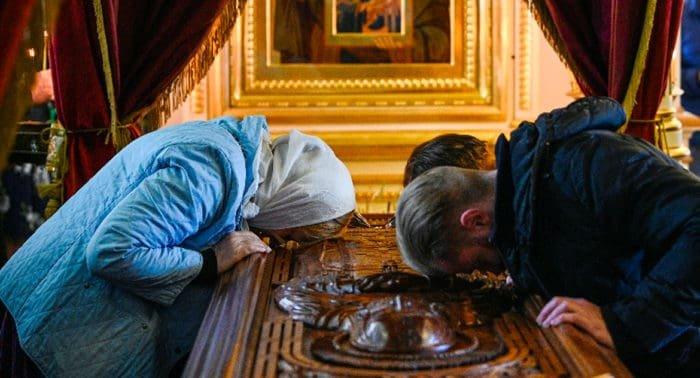 Для молитвы от коронавируса в Выборг принесут святыни Коневского монастыря
