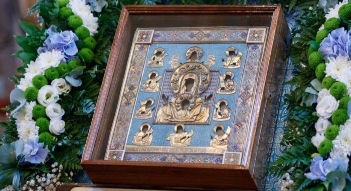 Церковь чтит Курскую-Коренную икону Божией Матери «Знамение»