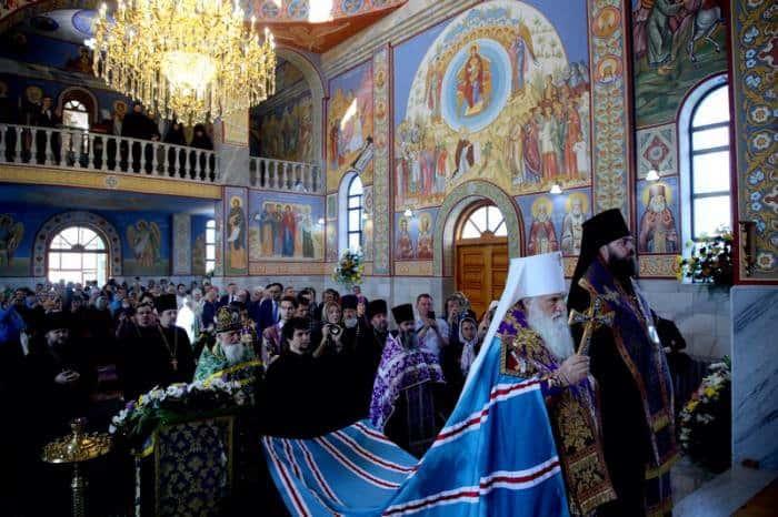 Два русских монастыря открыли после реконструкции в Узбекистане