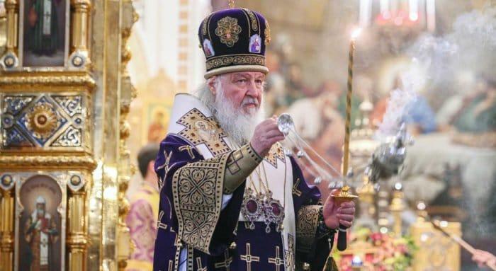 В испытаниях будем оставаться людьми и не забывать о тех, кому нужна помощь, – патриарх Кирилл