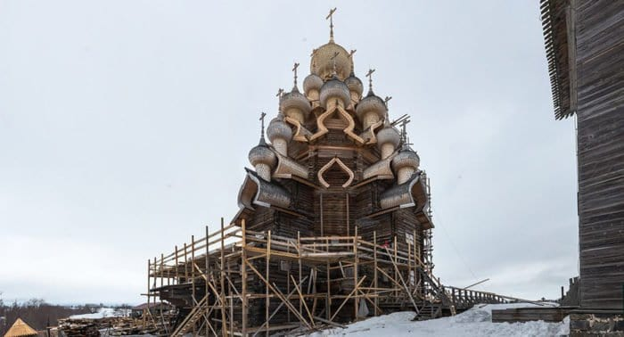 Завершена многолетняя реставрация Преображенской церкви на острове Кижи