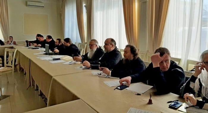 В Екатеринбурге с участием священников обсудили, как организовать трезвенное просвещение