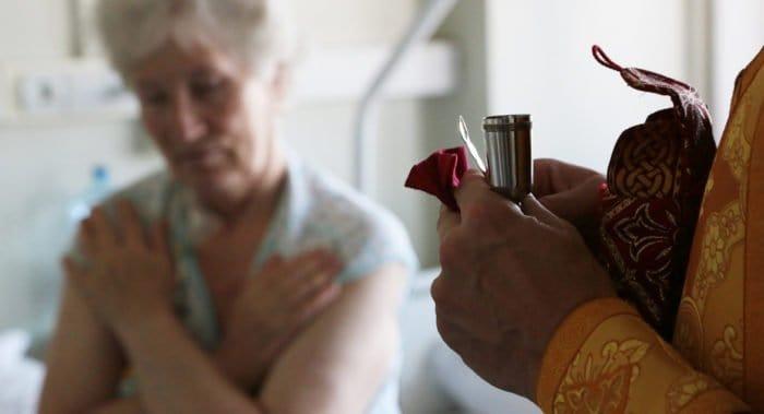 Украинская Церковь займется подготовкой медицинских капелланов