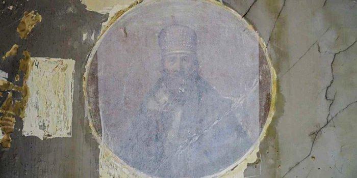 Уникальную церковную роспись XIX века обнаружили в Москве
