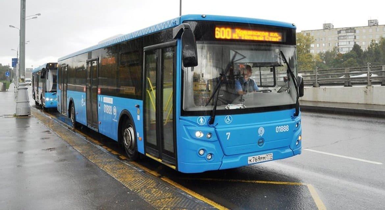 В Москве отменили специальные автобусы на Пасху
