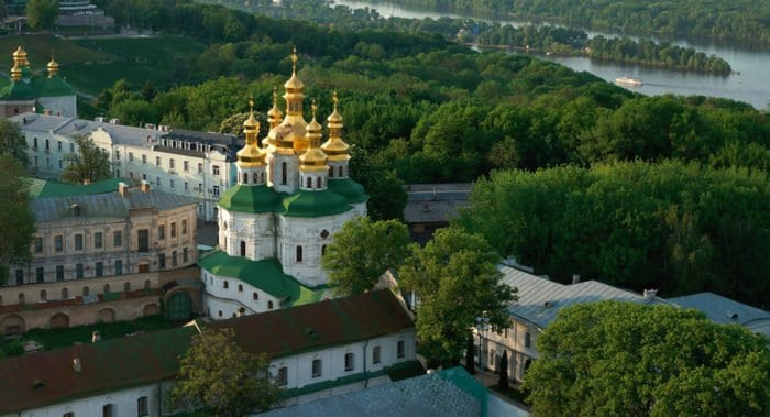 Украинская Церковь рассказала о петиции в поддержку Киево-Печерской лавры