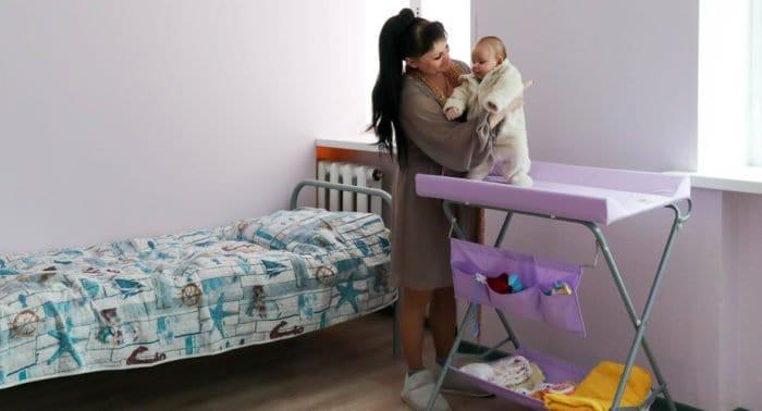 Церковь передала региональным приютам для мам и центрам гумпомощи 43 млн. рублей