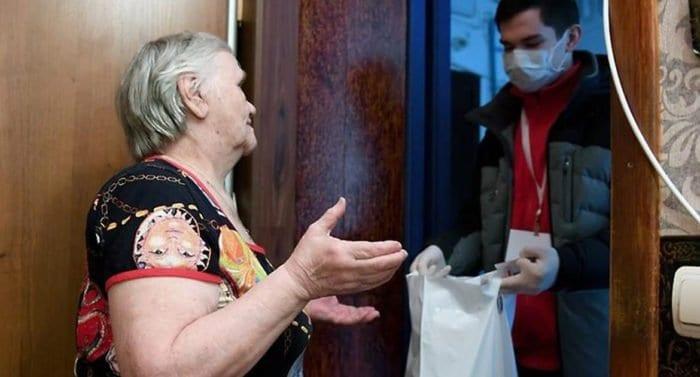 Почти 10 тысяч человек получили помощь службы «Милосердие» во время пандемии