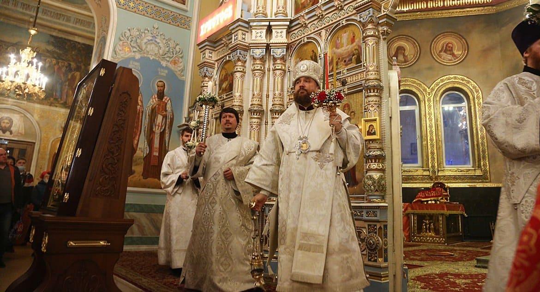 В челябинских храмах будут служить без прихожан, глава митрополии на самоизоляции