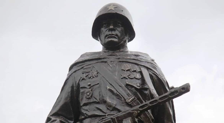 За повреждение воинских мемориалов ввели уголовное наказание
