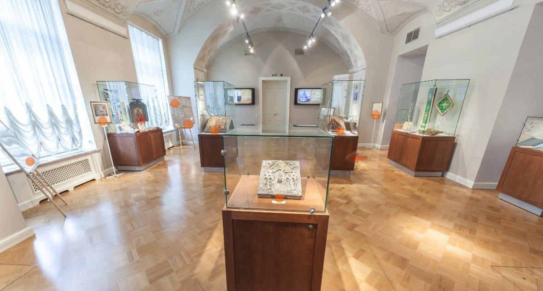Президентская библиотека создала виртуальный тур по выставке к 1030-летию Крещения Руси