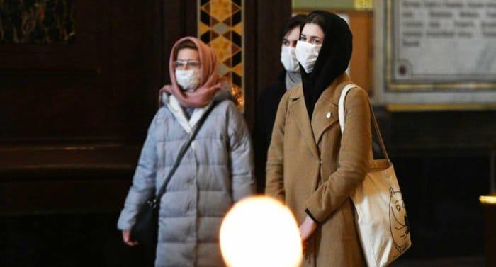 В Церкви напомнили о необходимости соблюдения строгих мер профилактики коронавируса в храмах и монастырях