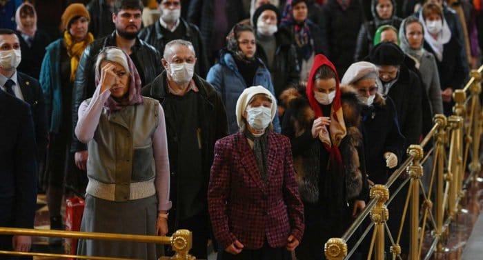 В Русской Церкви надеются на поэтапное возобновление богослужений с участием мирян