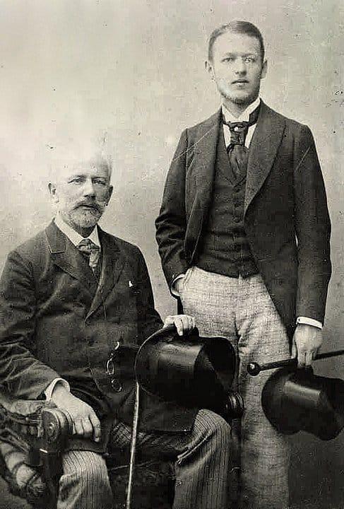 Петр Ильич с племянником, Володей Давыдовым