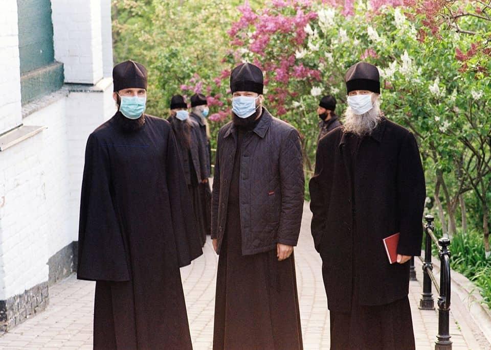 «Мы будем отвечать перед Богом за каждого заболевшего или умершего по нашей вине человека» — православный архиерей об ограничениях в храмах