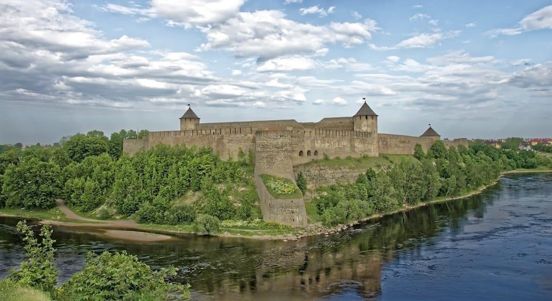 В Ивангороде попытаются отыскать фундаменты двух разрушенных церквей
