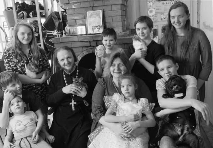 Эти женщины живут на самоизоляции годами: 3 откровенные истории про боль и преодоление