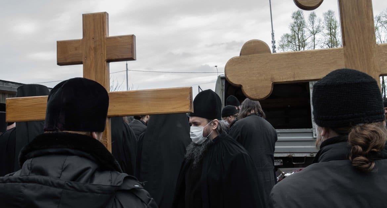 Еще два монаха крупных монастырей скончались из-за осложнений от коронавируса