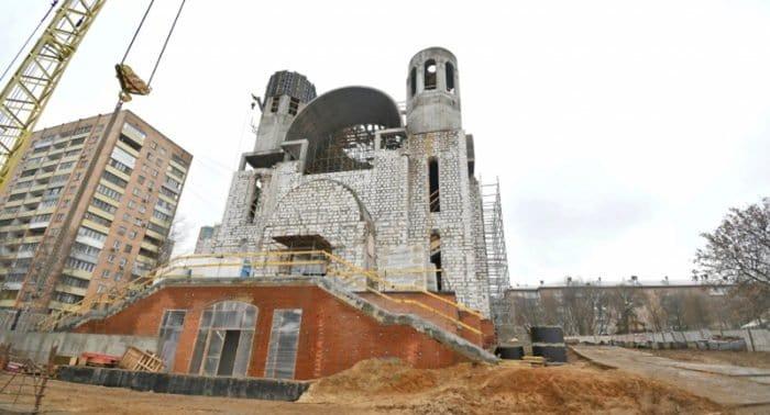 Около 100 храмов построили в Москве за 10 лет