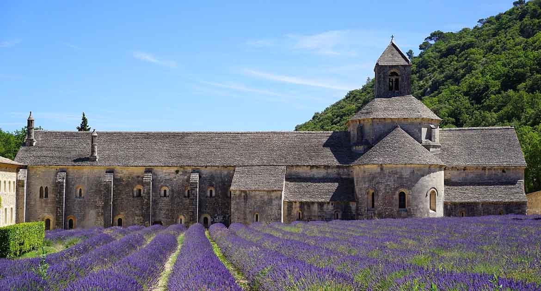 Как в 15 лет поступить на лето в монастырь?
