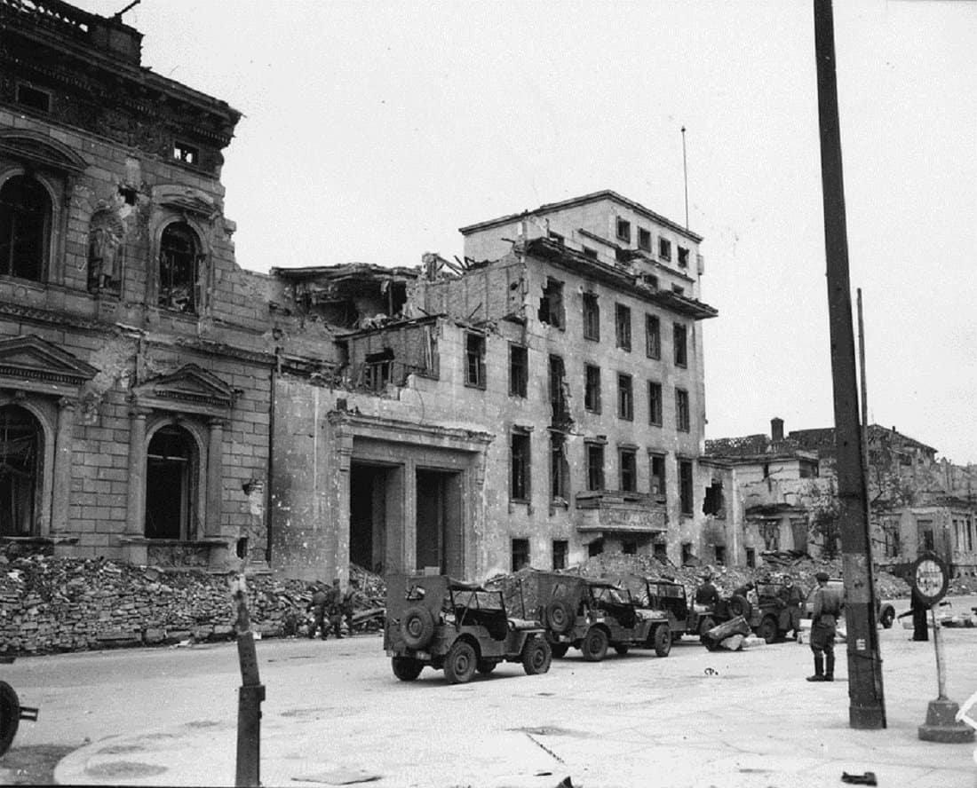 Битва за Берлин: какие мифы и вбросы не дают покоя историкам?
