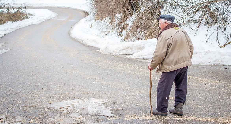 Пропал пожилой отец. Как молиться – о здравии или о упокоении?